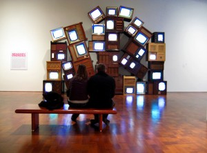 "TV storage gone wrong? Nope, we are back in the arts sphere: That's ""idiot boxes"" by Nam Jun Paik (picture: Artiii)"